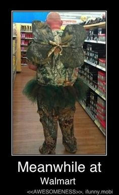Weirdest People Of Walmart Entertain You And Build Your Day. Take A Look At These Weird People Of Walmart That Are On Another Level Of Funny People. People Of Walmart, Only At Walmart, Lol, Haha Funny, Funny Jokes, Funny Stuff, Funny Things, Funny Drunk, 9gag Funny