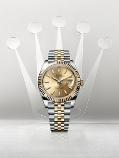 The new Datejust 41 Rolesor in 904L steel and 18 ct yellow gold with a fluted bezel, champagne dial and Jubilee bracelet.