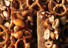 Butterscotch Blondie Bars with Peanut-Pretzel Caramel. Perfect for late night bites, potlucks, and bake sales.