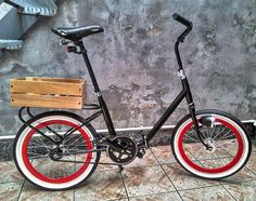 Moped Bike, Cruiser Bicycle, Mini Velo, Mini Bike, Velo Vintage, Vintage Bicycles, Motorcycle Design, Bike Design, Bicycle Safety