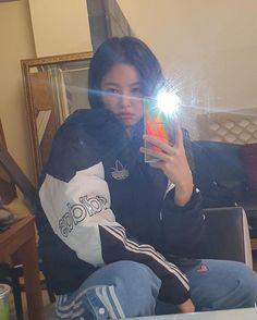 191217 Jennie IG update - Healty fitness home cleaning Blackpink Jennie, South Korean Girls, Korean Girl Groups, Foto Mirror, Rapper, Mode Ulzzang, Nicole Garcia, Black Pink, Blackpink Fashion
