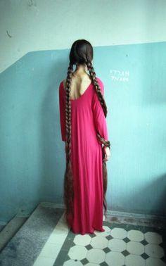 Super very long hair braids, and those scapulas! Beautiful Braids, Beautiful Long Hair, Biolage Hair, New Hair Do, Rapunzel Hair, Natural Hair Styles, Long Hair Styles, Braids For Long Hair, Twin Braids