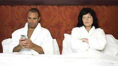 Tu marido folla con gays http://www.ragap.es/actualidad/fashion/tu-marido-folla-con-gays/697658