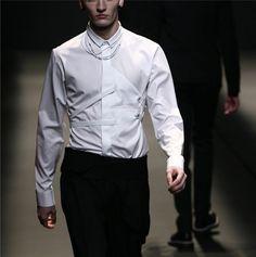 DIOR HOMME AW09   #fashion #avantgarde #dark #Minimal #simple #white #trends #style #wearing  #fashionweek  #runway