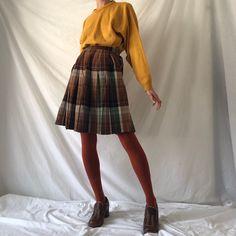 Long Plaid Skirt, Plaid Skirts, Brown Tights, Balloon Pants, Brown Skirts, Retro Outfits, Skirt Outfits, Vintage Shops, High Waisted Skirt