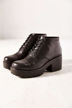 I can think of a really good outfit that would go with these shoes