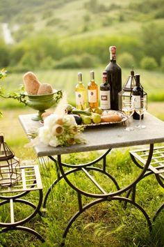 Summer picnic al aire libre :) wine