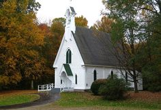 Little white country church with a steeple... LOVE.