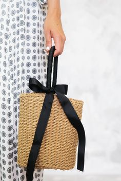 Round Straw Basket Bag - Basket and Crate Basket Bag, Crates, Bags, Accessories, Composition, Women's Fashion, Products, Handbags, Taschen