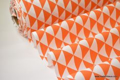 Tissu coton imprimé dessin losanges vintages orange : Tissus Habillement, Déco par madeintissus