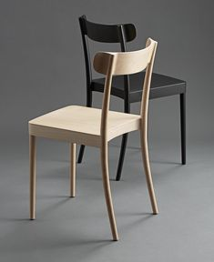 Petite by David Ericsson is a contemporary Scandinavian counterpart to the classical café chairs found in European cafés. A minimalist construction in beech makes it as practical as it is elegant. A focus on details…