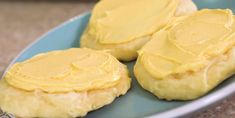 Biscuits ultra moelleux au citron avec glaçage au beurre - Desserts - Ma Fourchette Desserts With Biscuits, Mets, Galette, Mousse, Peanut Butter, Cookies, Diane, Food, Comme