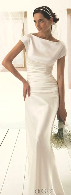 #short-sleeved wedding dresses #wedding Simple and slinky. #le spose di Giò - Italy 2013