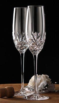 Wedding Toasting Glasses, Wedding Champagne Flutes, Toasting Flutes, Champagne Glasses, Ramadan Decoration, Wine Photography, Crystal Glassware, Wedding Toasts, Winter Wonderland Wedding