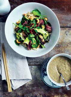 Nem fredagsmad: Nudelsalat med bøf og gomadressing - Boligliv