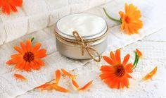 Měsíček lékařský: Přírodní zázrak, který musíte vyzkoušet Napkin Rings, Wedding Rings, Engagement Rings, Origins, Top, Natural Home Remedies, Health, Nursing Care, Rings For Engagement