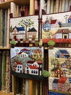 Quilt - Patchwork by Susana Cano Padilla; made using Yoko Saito's Mystery Quilt pattern from 2012 in Quiltmania magazine House Quilt Patterns, House Quilt Block, Small Quilts, Mini Quilts, Applique Quilts, Patchwork Quilting, Quilting Projects, Quilting Designs, Colchas Country