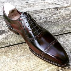 RAMON CUBERTA| BESPOKE BARCELONA I would never tire of looking at them. RTW Antique Rioja Calf Oxford shoes, limited edition available with their shoetrees in our shop on-line: www.ramoncuberta.com  #ramoncuberta #readymade #readytowear #rtw #benchmade #goodyearwelted #shoemakers #shoestagram #shoestagram #shoeslover #shoegazing #classicshoes #luxuryshoes #menshoes #sartorialist #gents #barcelonadesign #bcn #thebarcelonist #clikcat