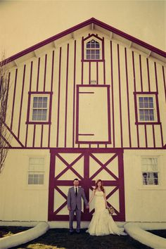 Barn. Photography by sandersonimages.com    #weddingphotography