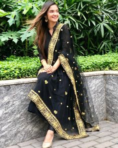 Anushka Sen Hot HD Photos & Wallpapers for mobile, WhatsApp DP Stylish Dress Designs, Stylish Dresses, Fashion Dresses, Stylish Girls Photos, Stylish Girl Pic, Indian Attire, Indian Outfits, Cute Little Girl Dresses, Girls Dresses
