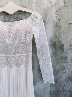 long sleeve Flora lace wedding dress | Photography: Betsy Blue