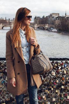 I love this throw back Speedy style handbag look.  I miiiiiisssss these!  Cute, cute, CUTE!