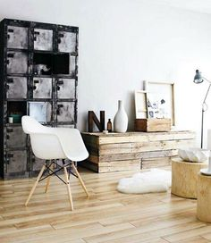 Love this cabinet.   Image via: Marion WD    Wooden chest