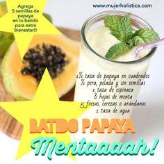 Día 4 de #retobatidos Este delicioooosísimo batido de hoy es especial para tu estomaguito, la papaya te ayudará a la digestión a la misma vez que te llena de maravillosos nutrientes y la menta ayuda a eliminar gases acumulados, una mezcla ideal para la digestión.   INSTRUCCIONES Licuar la espinaca y menta con el agua hasta que esté cremoso. Agregar la papaya, pera y fresas y terminar de licuar.  http://retobatidos.com/batido-para-la-digestion-papaya-menta/