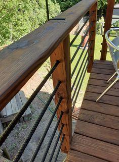 Wood Deck Railing, Deck Railing Design, Fence Design, Deck Railing Ideas Diy, Diy Deck, Cabin Decks, Cabin Porches, Deck Seating, Deck Makeover