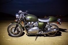 2013-Triumph-Thruxton- green and gold....and I get it Tuesday!