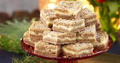 Ljuvliga vaniljrutor med smak av pepparkaka – perfekt till julens glöggmys och kaffekalas. Lätta att baka i långpanna, många rutor blir det!