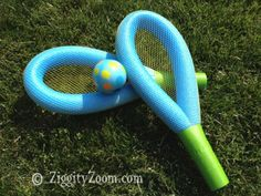 Make this foam pool noodle toy tennis racquet for the kids. Play with a ball, balloon or water balloons for summertime fun! Piscina Diy, Backyard Party Games, Pool Games, Pool Noodle Games, Water Games, Backyard Toys, Lawn Games, Water Play, Backyard Ideas