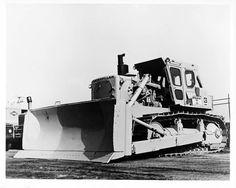 1970 Caterpillar D9H Bulldozer Photo Poster McCaffrey zm1516-PPLC36 Heavy Construction Equipment, Heavy Equipment, Caterpillar Equipment, Cat Machines, Crawler Tractor, Mining Equipment, Heavy Machinery, Luxury Yachts, Big Trucks