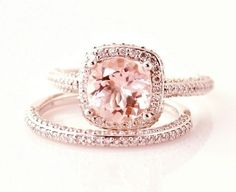 rose gold engagement ring... This is very different and I like it!