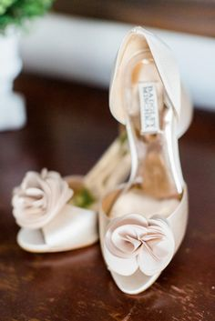 Nude Satin Badgley Mischka D'Orsay Bridal Shoes | Deborah Zoe Photography | http://knot.ly/6494BLafs https://www.theknot.com/marketplace/deborah-zoe-photography-middleton-ma-431971 | http://knot.ly/6497BLafv