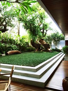 Vetical Gardens A vertical garden can be created cheaply with garden netting as well as a few of your favored climbing plants. Do It Yourself Projects - Create a Do This Yourself Outdoor Living Wall Surface Vertical Garden Planter Terrace Garden Design, Small Garden Design, Vertical Garden Planters, Garden Architecture, Fashion Architecture, Interior Garden, Concrete Patio, Concrete Wall, Concrete Projects