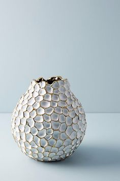 This crafted piece of Vases décor expresses elegance, class and style.This Geometric Lattice textured vase made from hand blown glass, fits into any urban interiors and becomes a real eye catcher on the side table or as any occasional center pieces. Porcelain Jewelry, Porcelain Ceramics, Ceramic Vase, Ceramic Pottery, Slab Pottery, Fine Porcelain, Porcelain Tiles, Sculptures Céramiques, Ceramic Sculptures