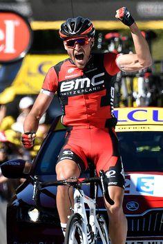 580b09d4c  TDF2016 Belgium s Greg Van Avermaet celebrates as he crosses the finish  line at the end