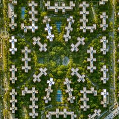 New York from above offers views of the Big Apple's most notable spots.   http://qoo.ly/m9ixr
