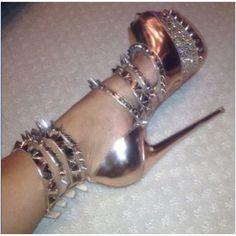 I want Kim Kardashian's shoes!