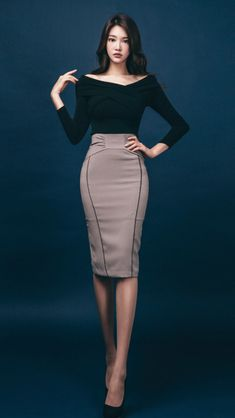 Park Jung Yoon Classy Women Quotes, Secretary Outfits, Korean Girl Fashion, Looks Chic, Professional Outfits, Korean Outfits, Beautiful Asian Girls, Skirt Outfits, Classy Outfits