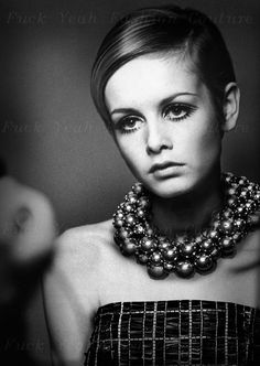 Twiggy in Chanel