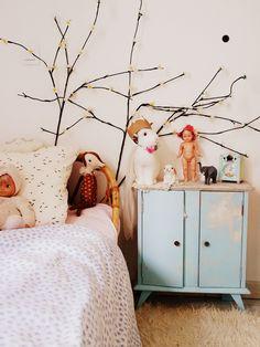 Un dernier tour dans la chambre de Lilou... Dans sa nouvelle chambre, j'ai envie d'y ajouter un mur de couleur, lui...