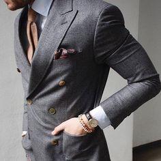 #GBespoke Via @justusf_hansen  || Gentleman's Bespoke inspiration |  #gentlemansbespoke #gent  #Inspirationsstyle #Inspirationsluxury #suits #tie #suitandtie #mensfashion #menstyle #menswear #bespoke  #stylegram #styleformen  #class #classymen  #moderngentleman #moderndaygent #gentswear #gentlemansfashion #menwithclass #wristgame #wristwear #armcandy #classy #dapper #debonair #ootd #style by gentlemansbespoke