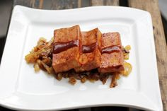 Sous-Vide Barbecue Tofu with Caramelized Onions - Anova Culinary Good Healthy Recipes, Vegetarian Recipes, Healthy Foods, Anova Recipes, Bbq Tofu, Good Food, Yummy Food, Sous Vide Cooking, Joy Of Cooking