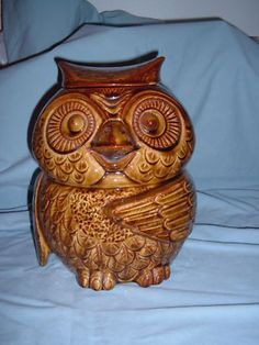 Mc Coy Pottery Owl Cookie Jar 204 USA brown collectible   ( I saw this today at consignment store for $27.  Debating if I should go back and but it.  A.S.)