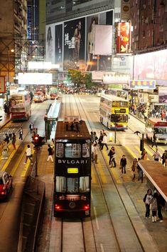 HK Nights - Trams, Buses + People