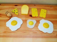 Houten Speelgoed---Keuken--Winkeltje: Kaas en Eieren.