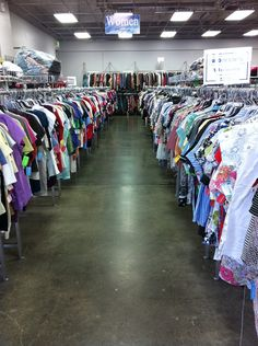 Why we need to stop buying Fast Fashion The Bale, Tiny House Bathroom, Fast Fashion, Industrial Style, Saving Money, Thrifting, Life Hacks, Celebrity Style, Thrift Stores