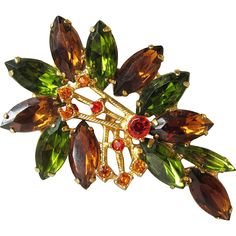 Vintage Unsigned WEISS Rhinestone Autumn Colors Leaf Pin